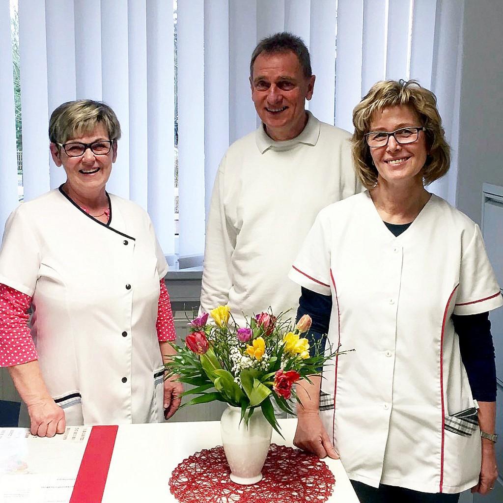 Unser Team: Schwester Regina Nowack, Dr. Rainer Külker, Schwester Heidi Hoy